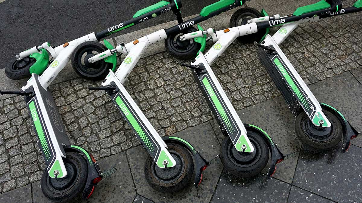 UK allows e-scooter rentals to aid transport in pandemic