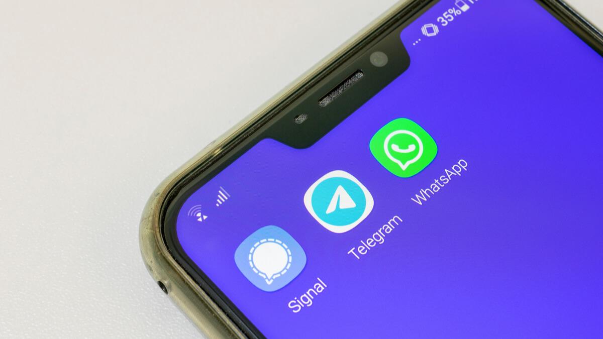 whatsapp telegram signal