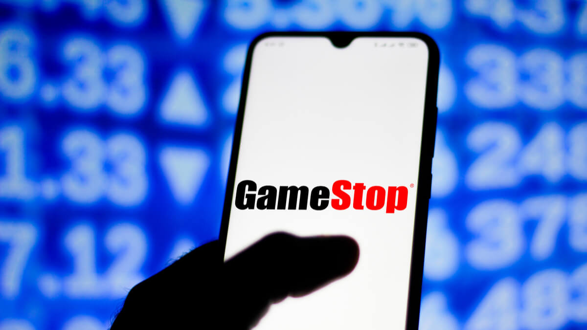GameStop lost $215 million in fiscal year