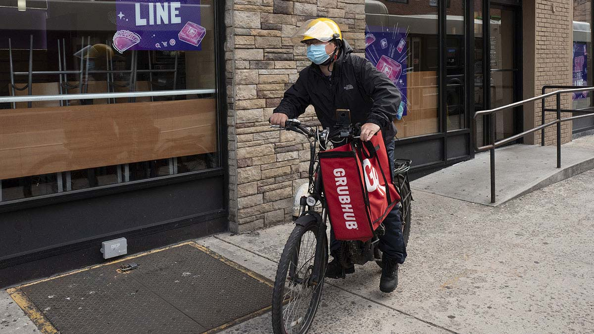 DoorDash, Grubhub, Uber Eats sue NYC over pandemic fee caps